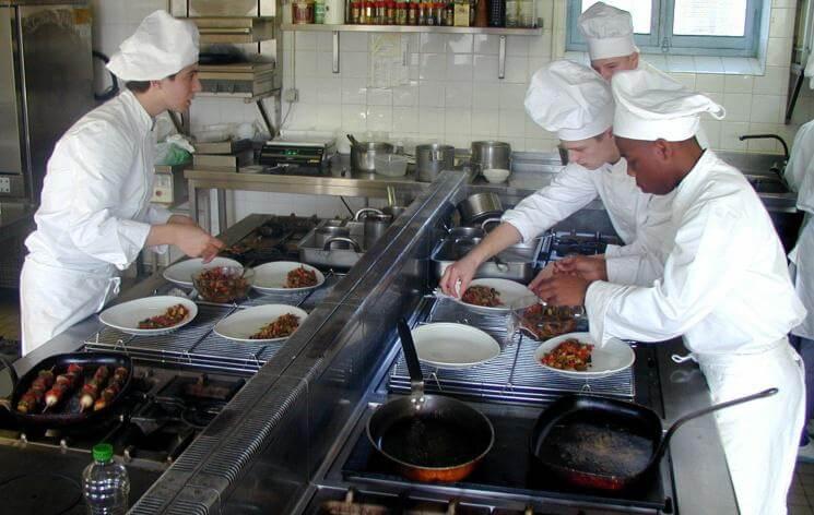 Baccalaureat Professionnel Cuisine 3 Lycee Flora Tristan